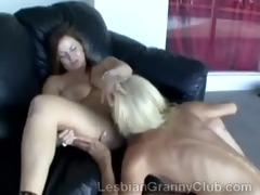 blond mother i uses her experienced tongue to