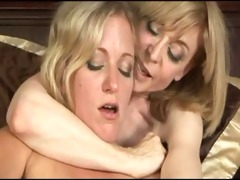 younger meets mature lesbo