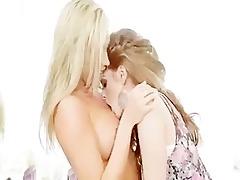 faye reagan and samantha saint lesbo sexy fuck