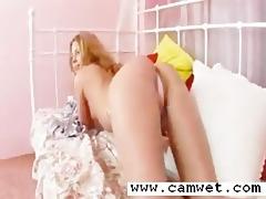 lovely blondie fingering wet crack aperture