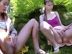 russian virgins posing