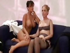 breasty sarah palin bonks her lesbo paramour with