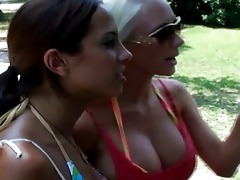 blond lesbo molly pick up a lalin girl babe mulani