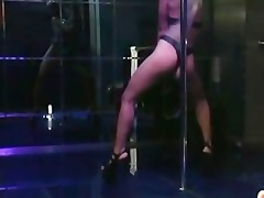beauty dances and puts in her moist cunt