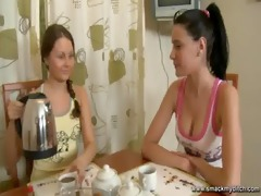 lesbo massage and sextoy sex