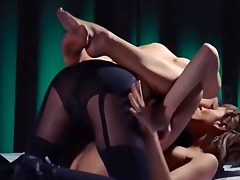 lesbo belt on hardcore intercourse