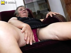 granny screwed by younger lesbian babes