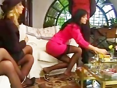 lucky chap has foursome with 0 girls in underware