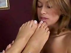 good lesbo feet worship