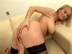 bulky woman and hawt beauty on couch